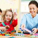 preschool-educator-teaching-young-children-475x258